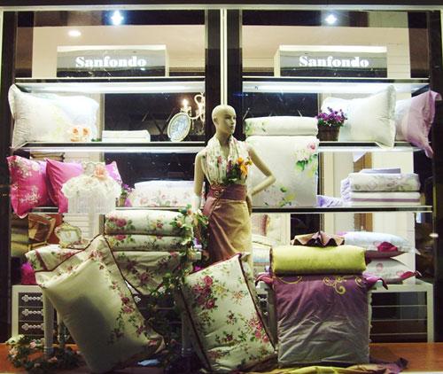 圣夫岛家纺店铺展示