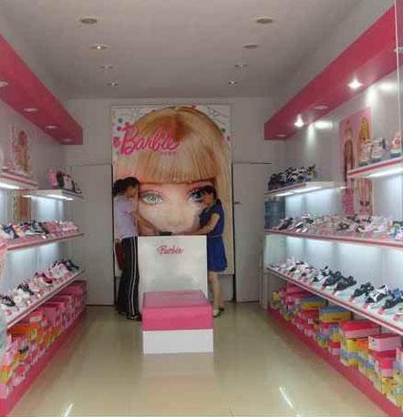 芭比娃娃店铺展示