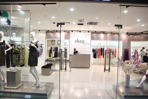 1,公司店铺装修设计图; 女装实体店; ckce女装店