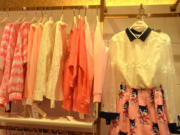 耶丽雅女装店铺展示图品牌旗舰店店面