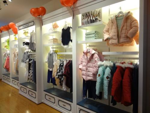 裘帛时尚童装店铺展示