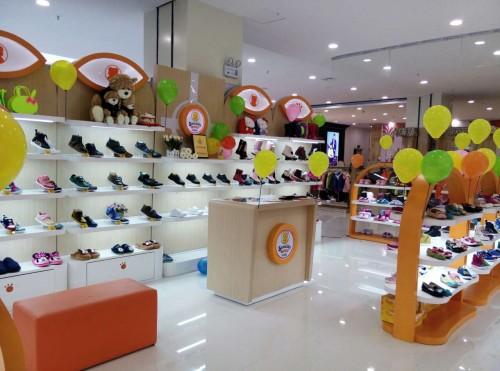 四季熊童鞋店铺展示