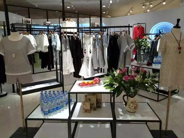 T&W 女装专卖店