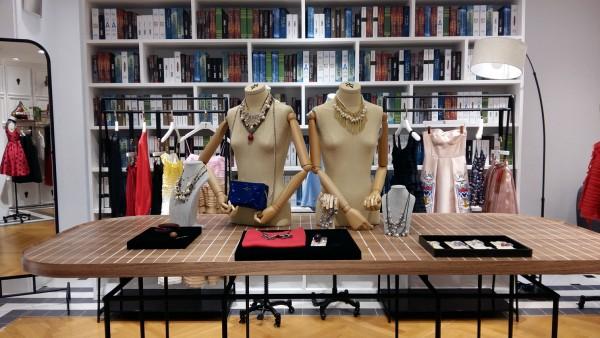 TiTi女装店铺展示