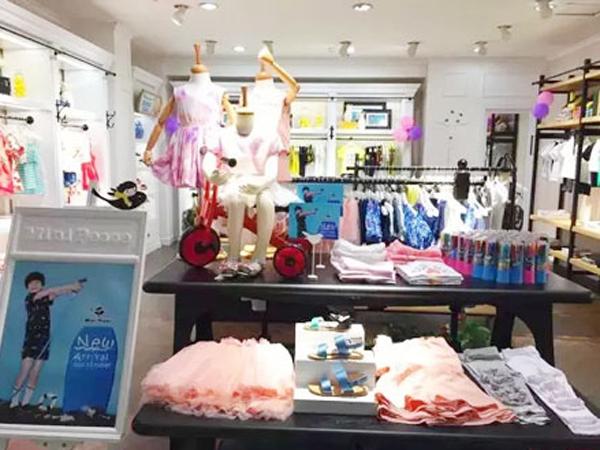 太平鸟童装品牌终端店铺