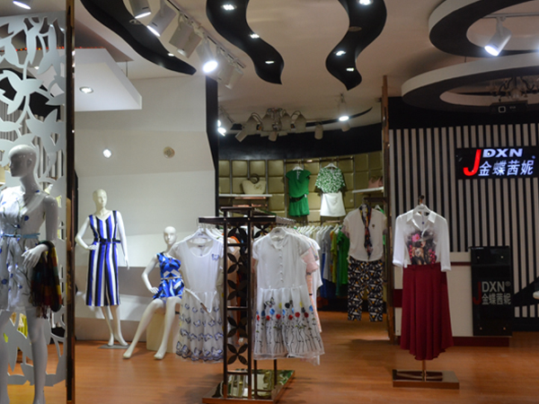 金蝶茜妮品牌服饰店形象图