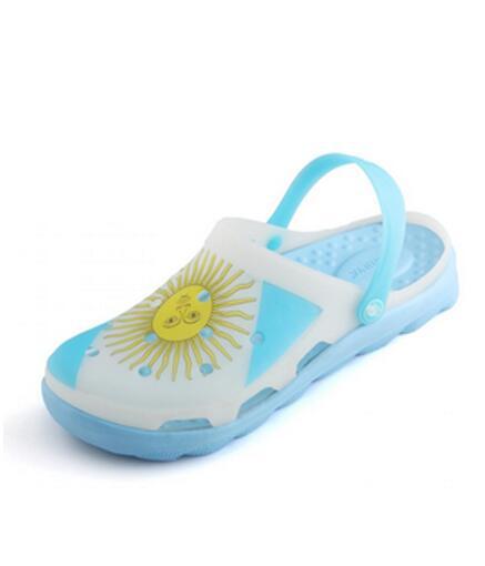 去海边怎么搭配?雷比亚海边游玩鞋子潮流来袭