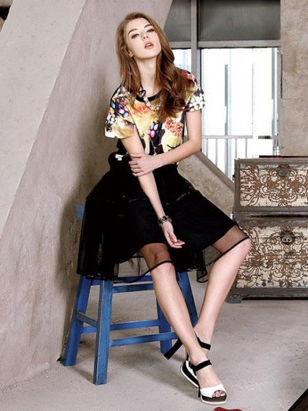 朗诗逸时尚女装 塑造女性清新、优雅、浪漫姿态