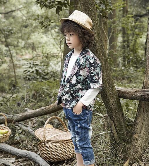 樱桃巧克力童装品牌看小男孩如何用小西装穿出时尚感