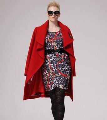 "VOINGE唯一女装品牌携时尚廓形大衣来袭 让你 ""型""走在冬季"