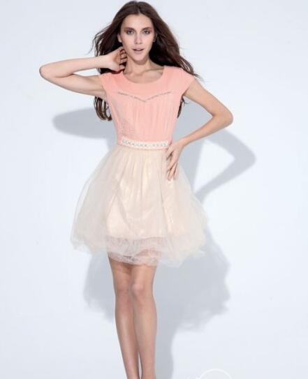 时尚年代女装品牌 让你成为这个季节的主角