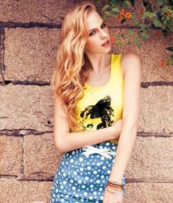 伊比莎时尚品牌女装 展现出色彩浓郁的异域风情