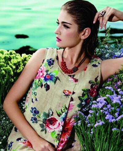 蒲女装时尚印花来袭 穿出成熟女性优雅、稳重气质