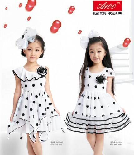 A100童装白色连衣裙搭配来袭 白色连衣裙的时尚搭配