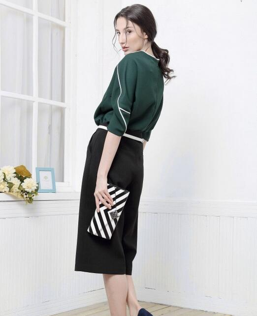 BHUU奔狐女装时尚新品 会穿绿色的女人才洋气