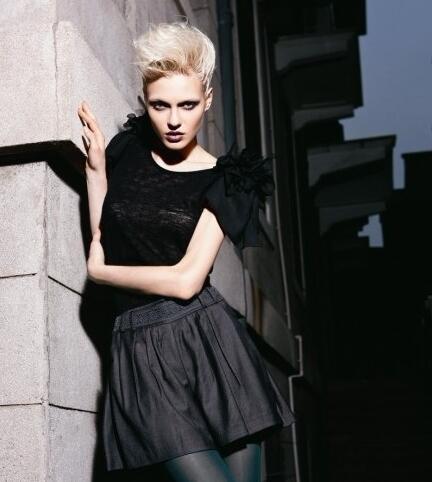 伊比莎时尚品牌女装 打造高雅大方的时尚女性