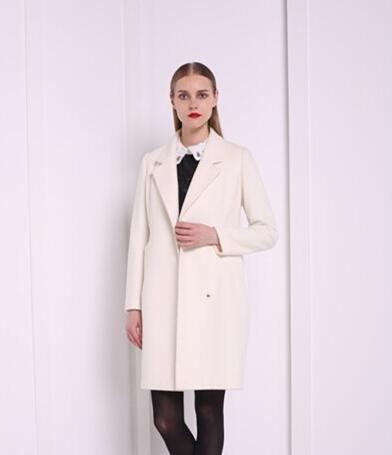 衣香丽影时尚茧型轮廓大衣 藏住一切不完美