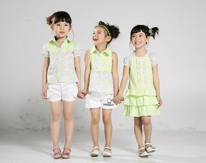 专业回收外贸品牌童装 回收儿童服装 收购婴儿童装公司