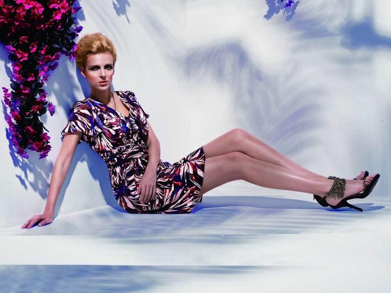 迪亚达尼女装诠释优雅魅力无限