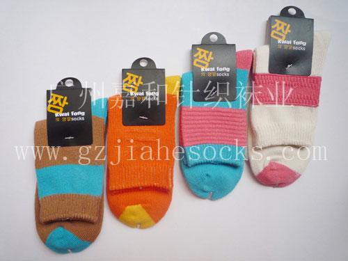 广州袜子加工厂批发生产纯棉中筒女袜 全棉提花女袜 中筒女袜订做