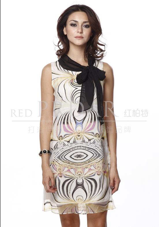 领航世界丝绸服饰潮流—红柏特真丝女装招商加盟