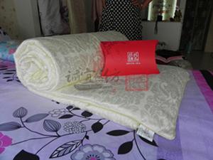 供应蚕丝被,各种纺织类床上用品,成品蚕丝