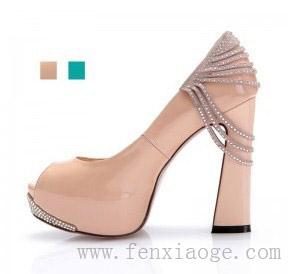 成?#21152;?#36136;女鞋招募网店代理商--分销阁