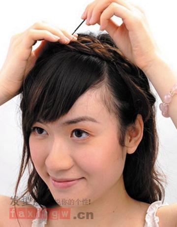 圆脸长发怎么扎 韩式披发编发点亮造型