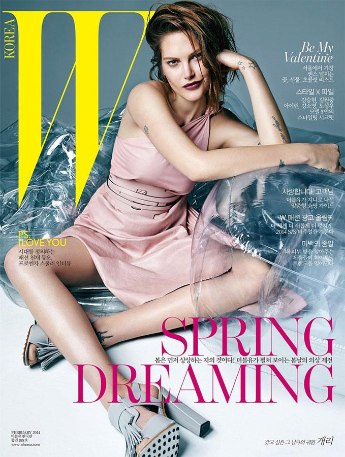 超模凯萨琳登韩国版《w》杂志封面_服装人物_中国服装