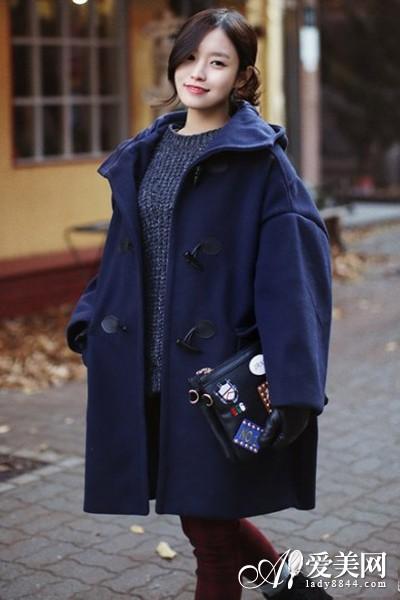 藏青色呢子外套搭配; 藏青色大衣百搭