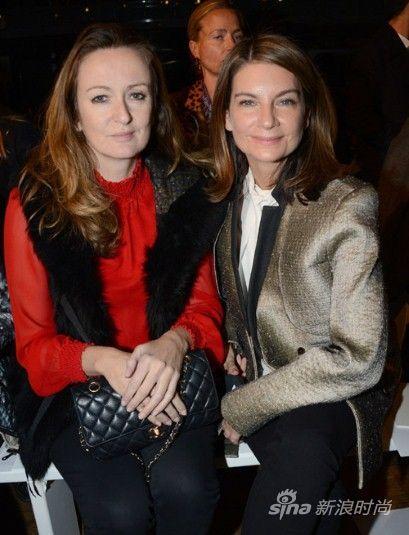 Net-a-Porter网站创始人Natalie Massenet(右)及《Porter》杂志主编Lucy Yeomans(左)