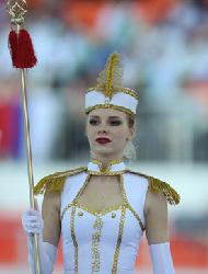 俄罗斯美少女盛装舞步表演
