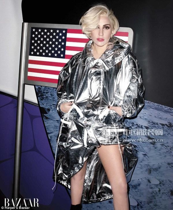 "Lady Gaga穿""太空服""登杂志封面 金色短发似女神"
