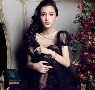 Angelababy演绎《芭莎珠宝》五周年纪念刊封面珠宝大片