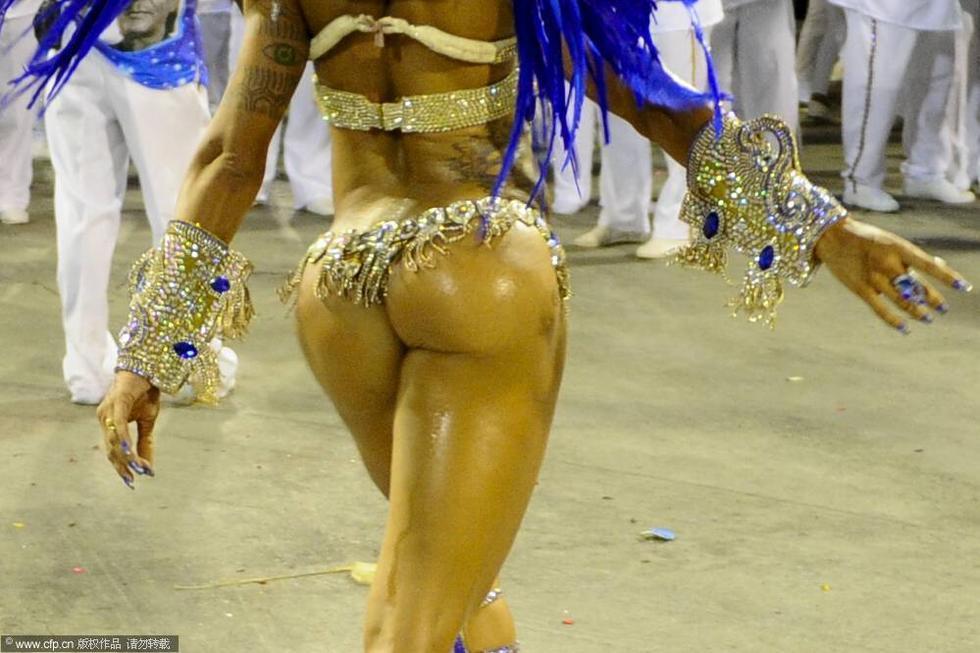 巴西狂欢节激情开幕 电臀美女造势世界杯