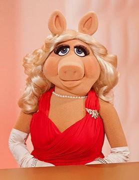 """时装界的""""朋克之母""""薇薇安·韦斯特伍德(vivienne westwood)将为猪"""