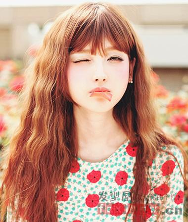 今年流行韩式女生烫发 最in发型减龄知性