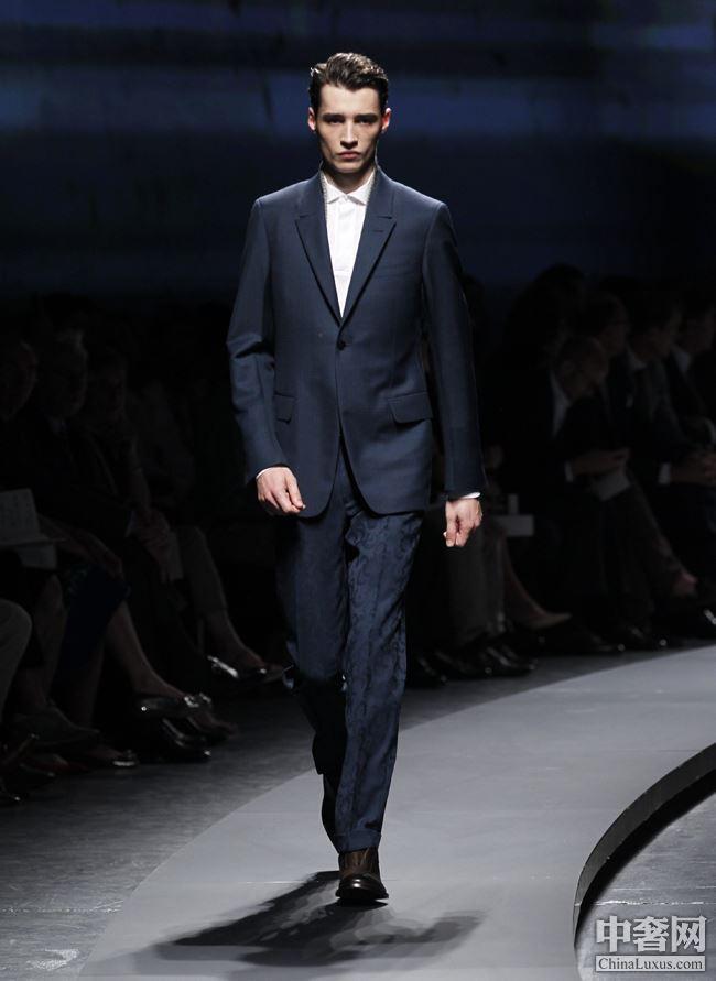 列 6点以后的男士晚装第八页 晚装 男士 Suit Broken 杰尼亚 服装设计