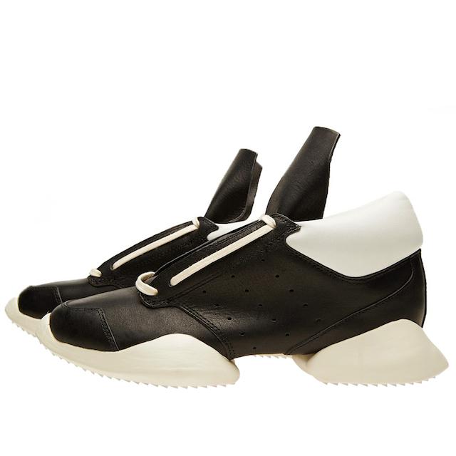 adidas 黑白拼色运动鞋