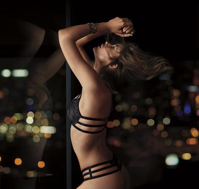 维多利亚的秘密最新Very Sexy系列广告