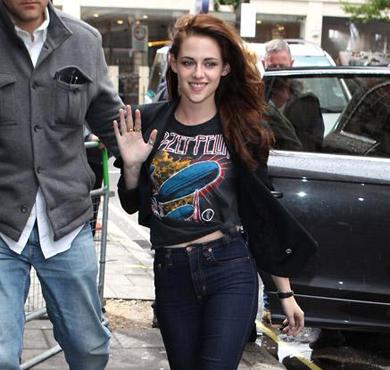 女汉子有型格 摇滚T恤穿出你的
