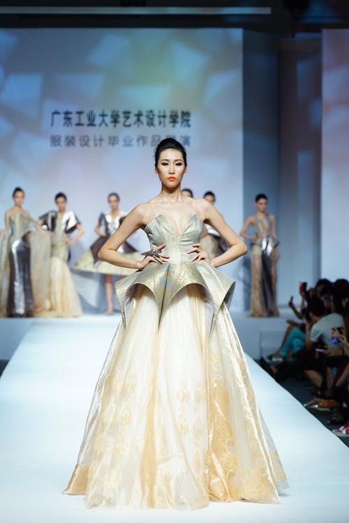 2014中国(广东)大学生时装周:广东工业大学艺术设计学院服装设计毕业