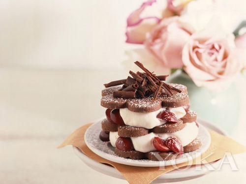 无论繁复或是极简,一款甜品带来的除了美味,还有慢慢职场正能量