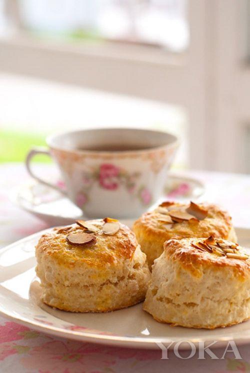 在并不忙碌的周一,选择皇家风味十足的司康作为下午茶的甜点