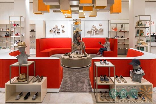 服裝資訊 陳列設計 荷蘭國有百貨店v&d:休息區比賣場重要    之前商店