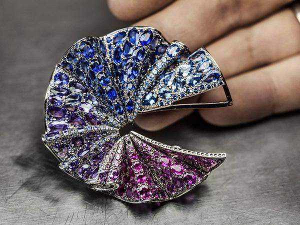 时尚资讯 珠宝首饰 dior迪奥:珠宝的高级定制盛会     珠宝设计也是一