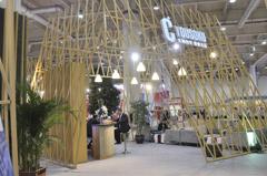 大杨创世展馆:缕空木质设计