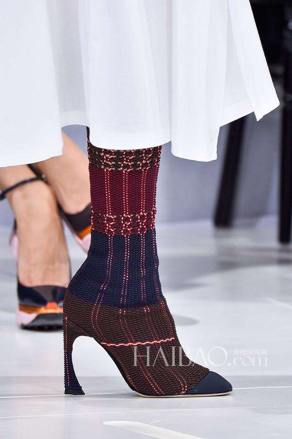 2015春夏巴黎时装周:迪奥 (Dior) 2015春夏女装秀场细节