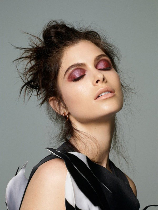「烟熏妆」《Cosmopolitan》2014年12月号
