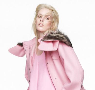 超模Julia Frauche 演绎可爱粉色时尚